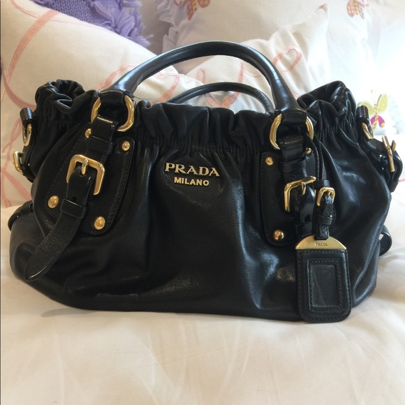 a256dca570 Authentic Classic Prada - Black Leather. M 5b8f4ae0dcfb5a6bf405fe95